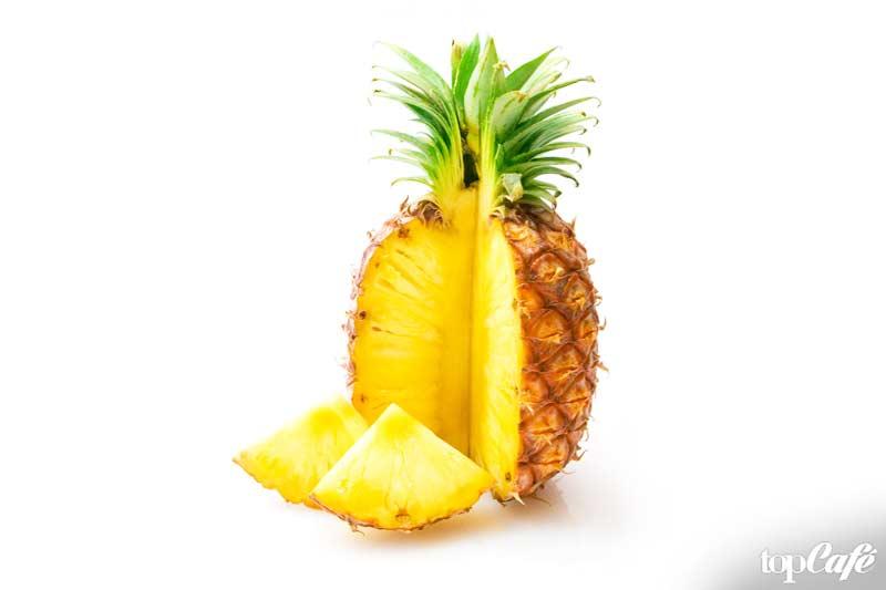 Ананас - один из фруктов с высоким содержанием воды