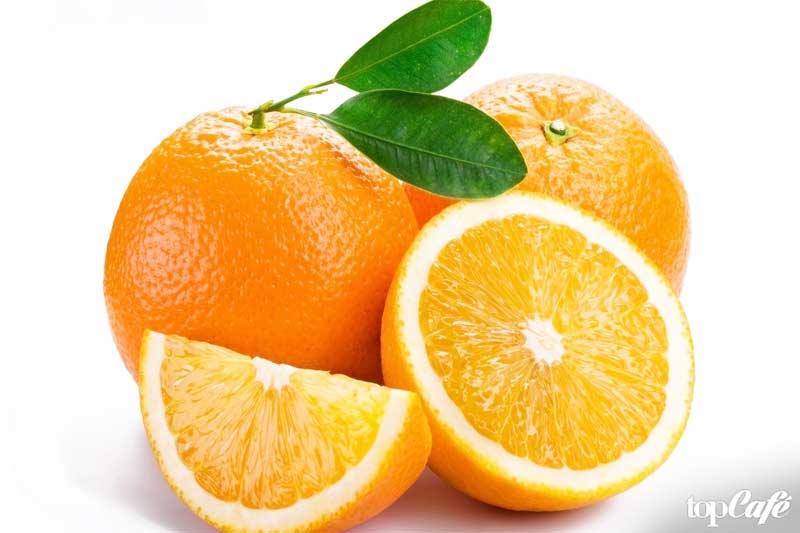 Апельсин - один из фруктов с высоким содержанием воды