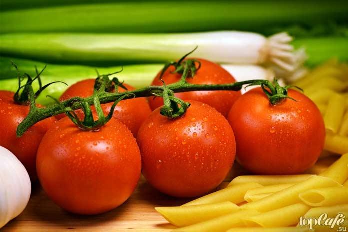 Помидор - один из овощей с высоким содержанием воды. CC0