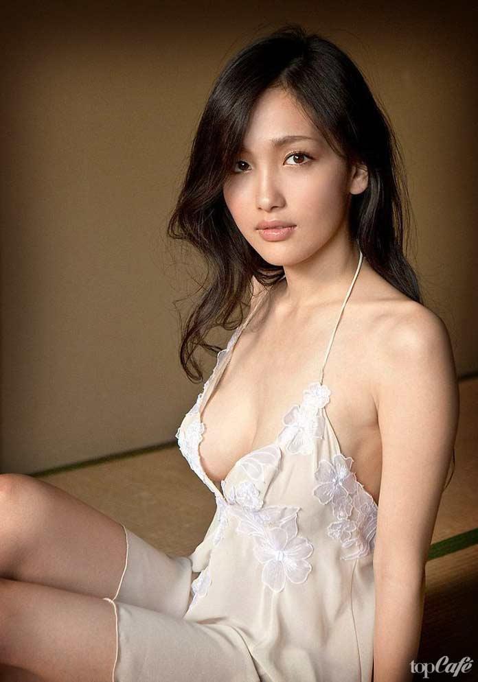 xx-glfs-cute-asian-wanking-foreign-bikini-models