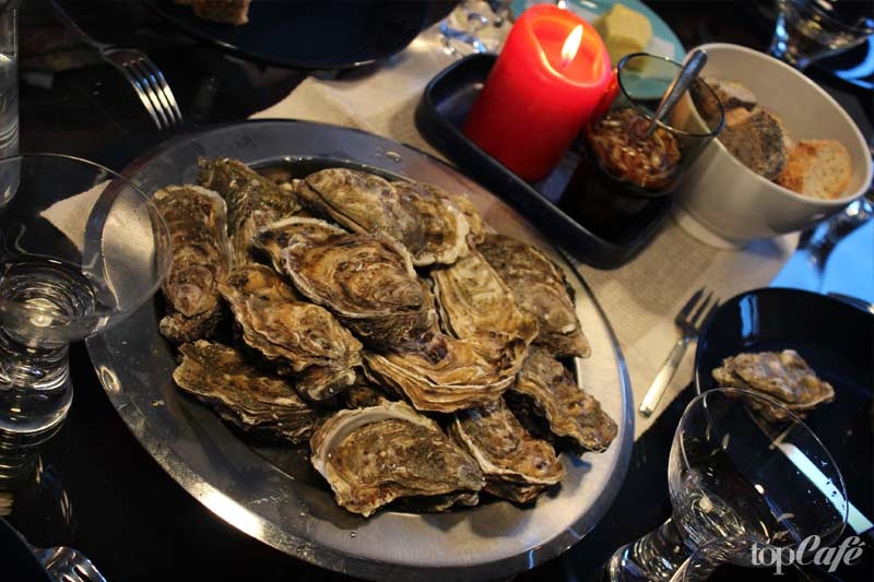 French Christmas oysters