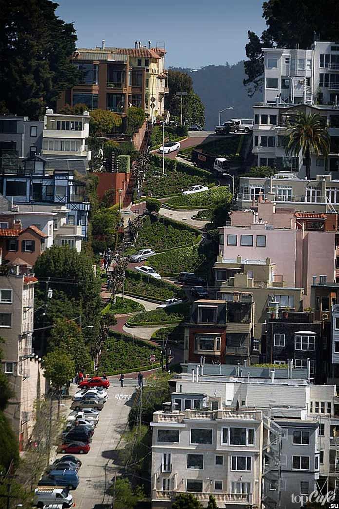 Одна из самых крутых улиц мира - Ломбард-стрит, Сан-Франциско. CC0