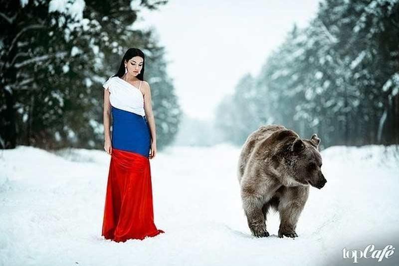 Девушка с медведем фото