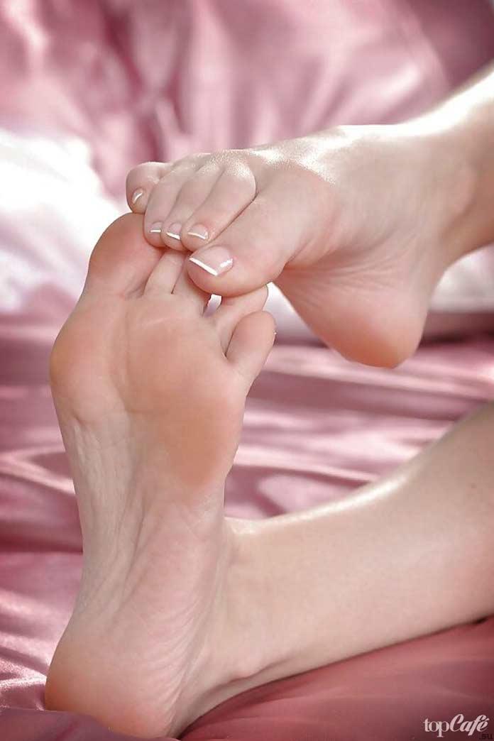 Пальцы ног женские