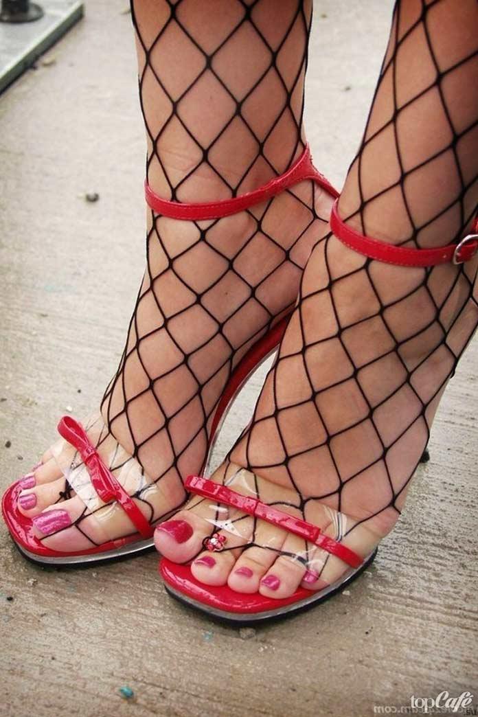 Ноги в сетке женские