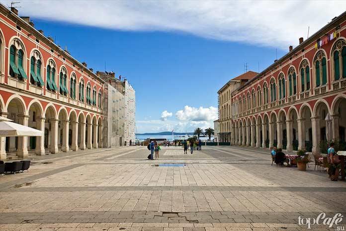 Красивые достопримечательности Сплита: Площадь Республики
