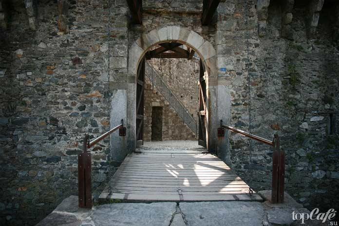 Кастелло ди монтебелло - один из самых красивых замков Швейцарии. CC0