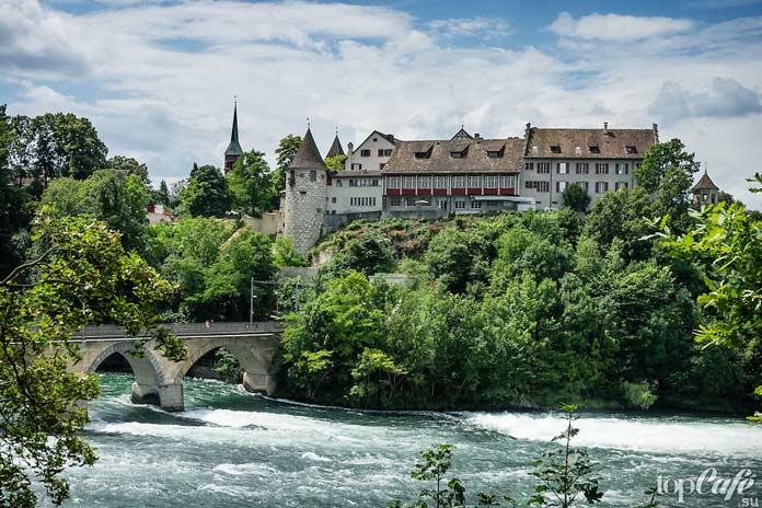 Лауфен - один из самых красивых замков Швейцарии