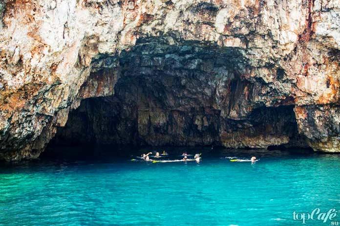 Пещера тюленей-монахов - один из прекрасных гротов Хорватии