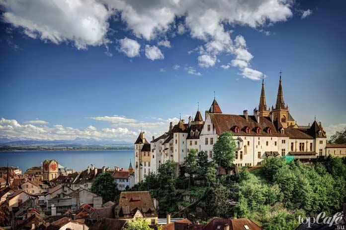 Невшатель - один из самых красивых замков Швейцарии