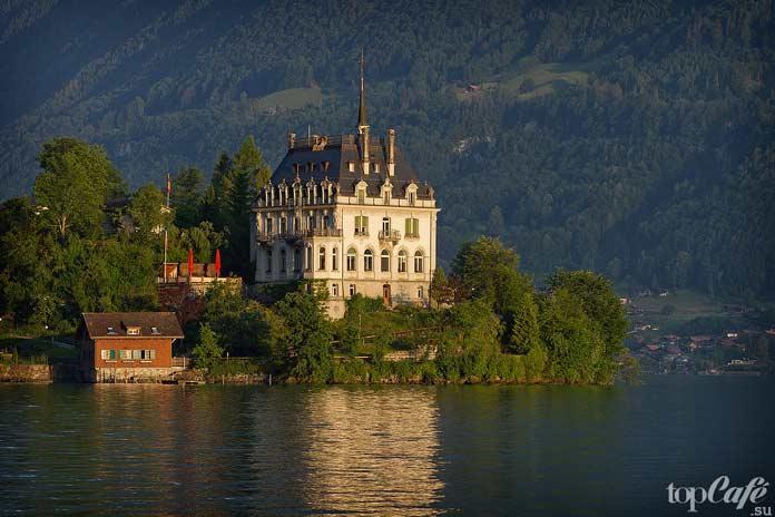 Зеебург - один из самых красивых замков Швейцарии