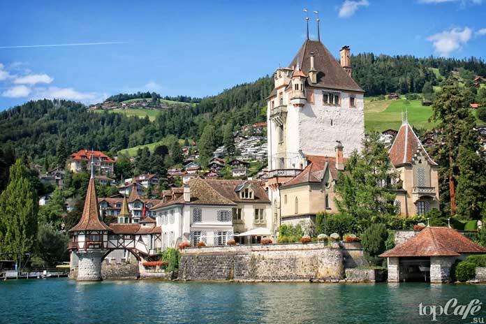 Тун - один из самых красивых замков Швейцарии