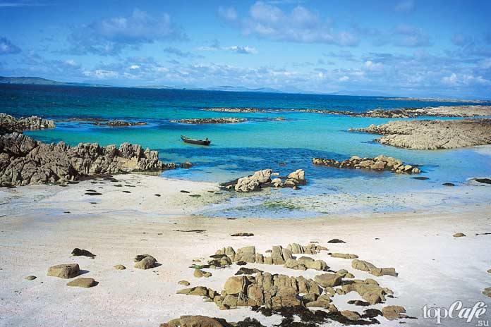 Коралловый пляж в графстве Голуэй - одно из самых живописных мест Ирландии