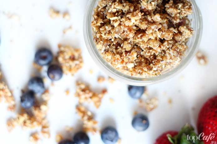 ТОП-5 рецептов завтраков, которые готовятся за 5 минутБыстрая и сытная раунола