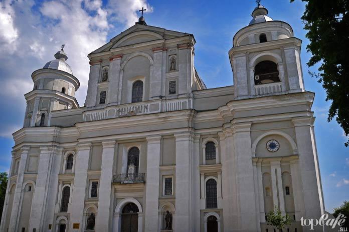 Удивительные готические места Москвы: Кафедральный собор святых апостолов Петра иПавла