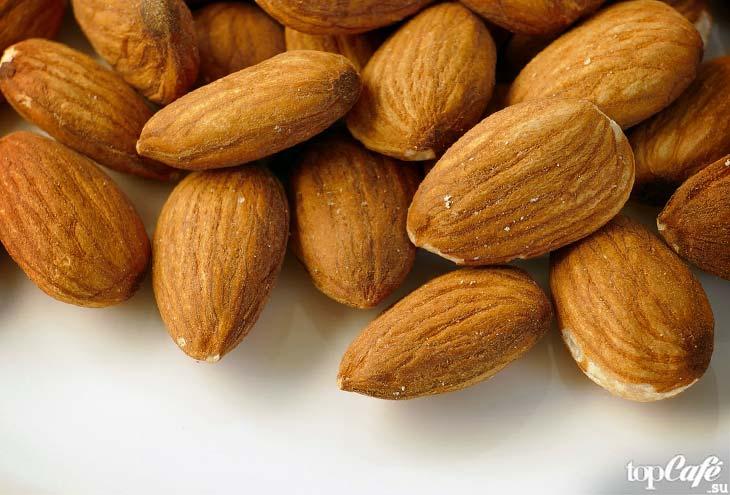 Самые дорогие орехи: Миндаль. CC0