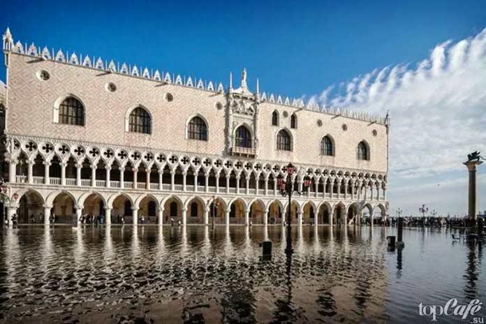 Готическая архитектура Италии: Дворец Дожей