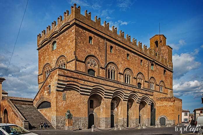 Готическая архитектура Италии: Палаццо Капитано дель Пополо