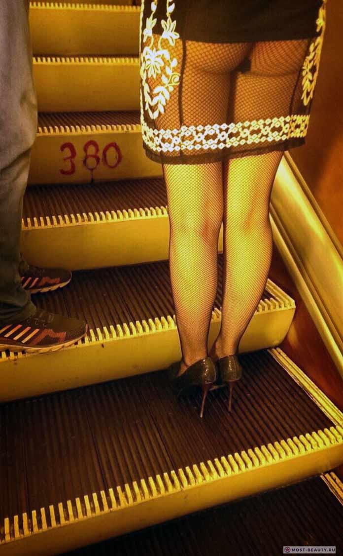 Фотографии женщин в метро: милая сеточка
