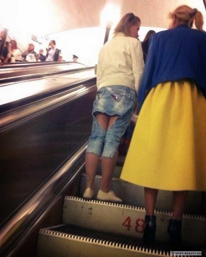 Фотографии женщин в метро: кройка и шитьё