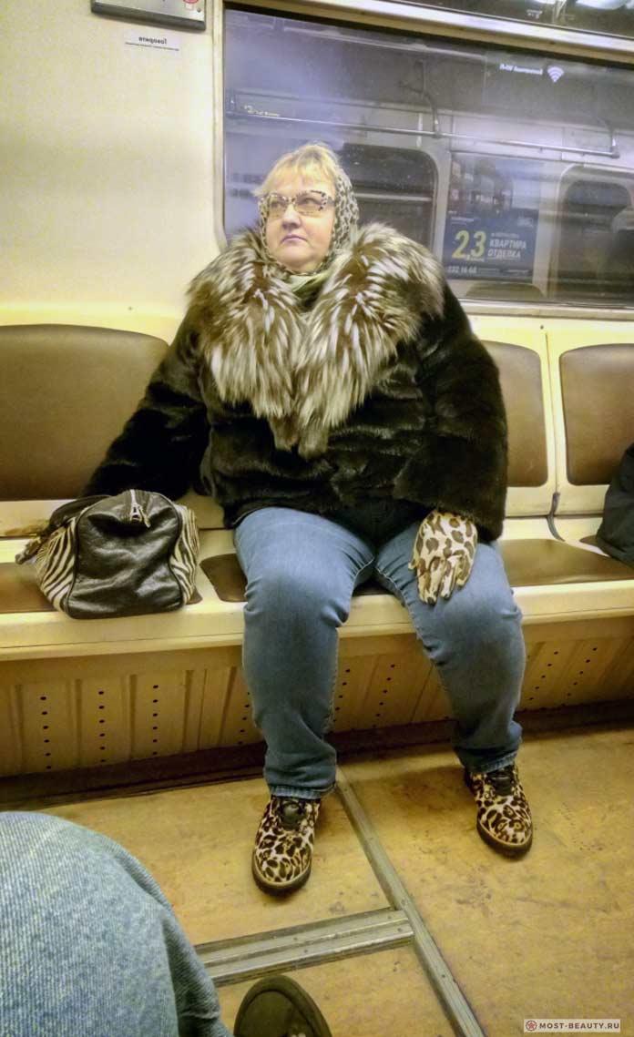 Красивые фото женщин в метро