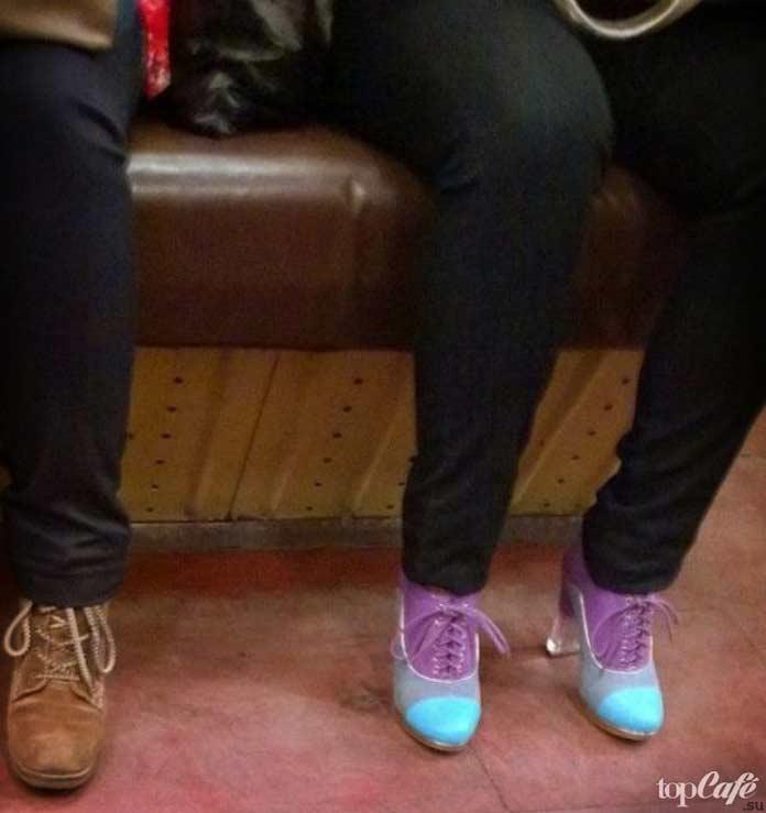 Удивительные фотографии женщин в метро