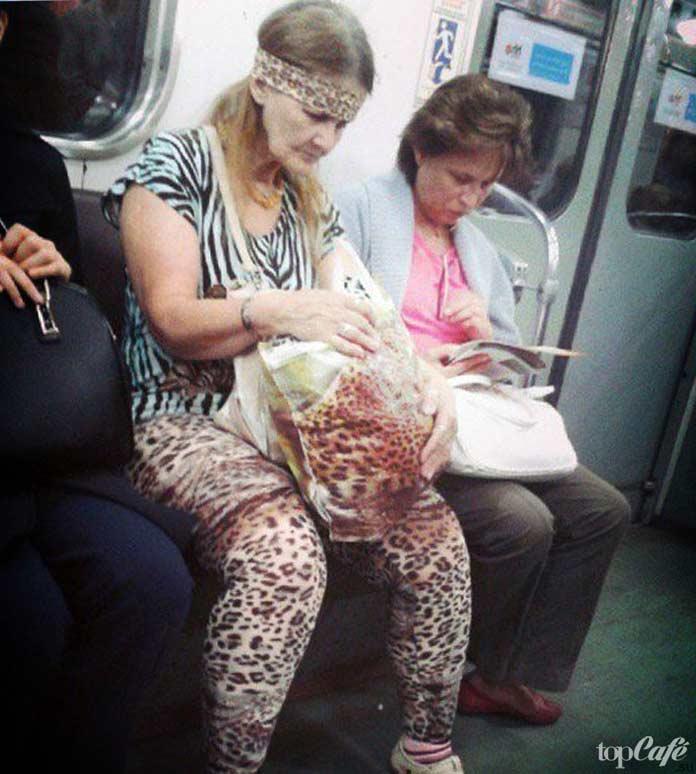 Фотографии женщин в метро: сафари в метро