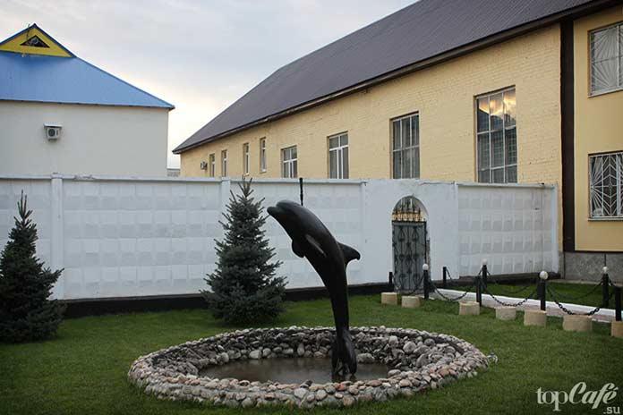 Самые большие тюрьмы: Черный дельфин