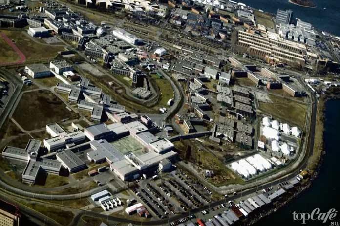 Самые большие тюрьмы: Райкерс Айленд
