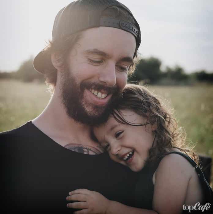 Бородач с ребенком
