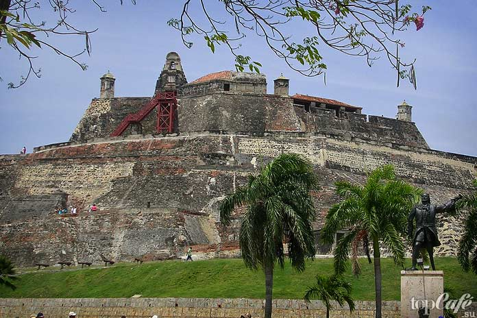 Главные достопримечательности Колумбии: Крепость Сан Фелипе деБарахас