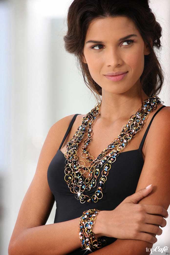 Раиса Оливейра - одна из самых чарующих бразильских моделей