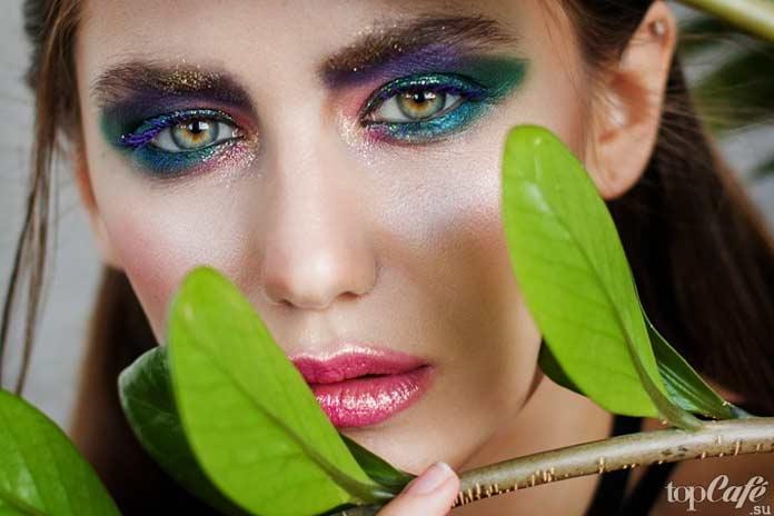 Избегайте слишком тяжелого макияжа