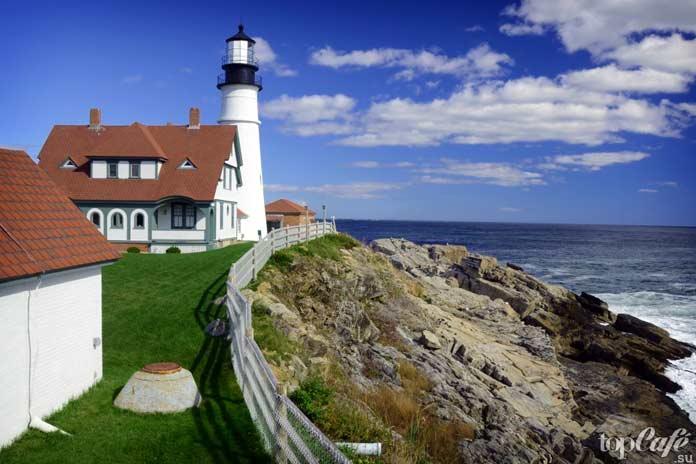 Топ-9 красивых и оригинальных маяков со всего мира