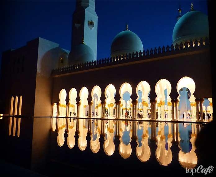 великая мечеть в Абу-Даби