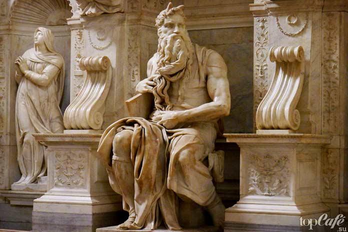 Моисей (1515) скульптура Микеланджело Буонарроти