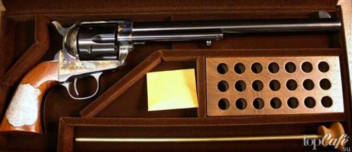Револьвер Кольт 45 Уайтта Эрпа: один из примеров самого дорогого стрелкового оружия