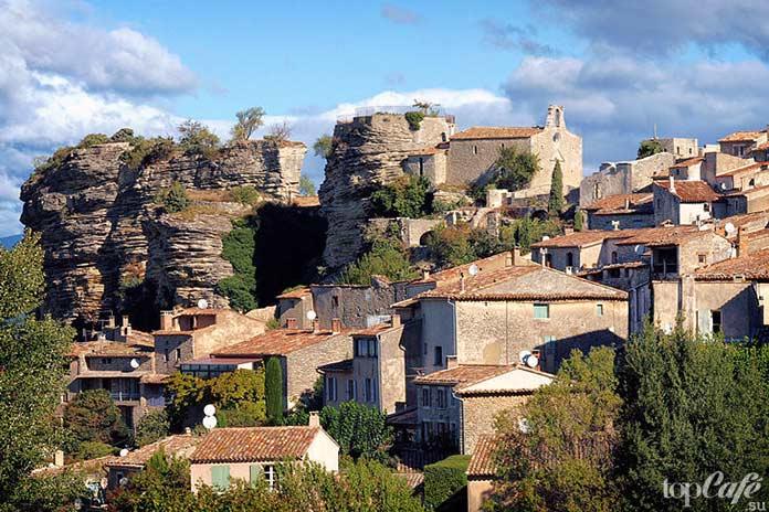 20 самых красивых деревень во Франции: Saignon. CC0