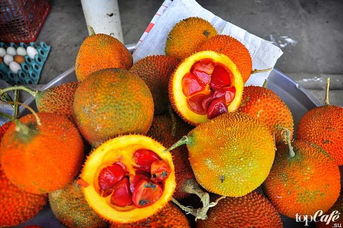 Список самых необычных фруктов: Момордика кохинхинская