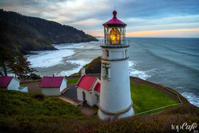 Красивые маяки отели: Heceta Head Lighthouse
