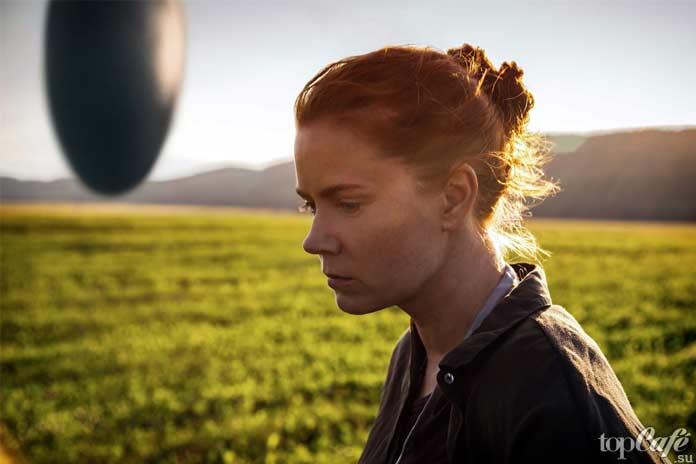Лучшие фильмы с Эми Адамс: Прибытие