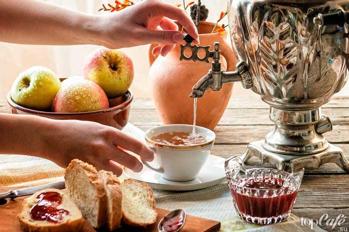 7 необычных способов пить чай со всего мира: Чай из самовара. СС0