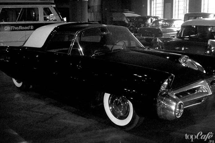 Чёрный автомобиль. СС0