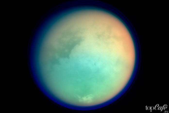 Сатурн имеет удивительные луны, одной из которой является Титан