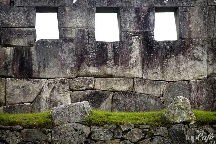 Полигональная кладка инкоув в Мачу-Пикчу. CC0