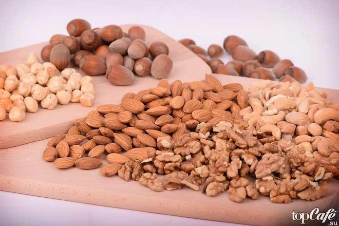 Самые эффективные природные слабительные: Орехи. CC0