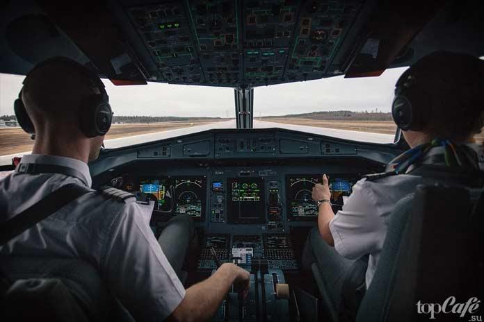 Что нравится пилотам самолётов: Пилоты самолёта. CC0