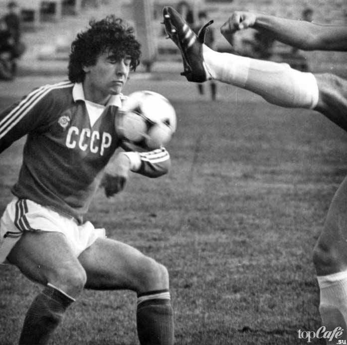 Известные футболисты, которые умерли во время матчей: Андрей Баль